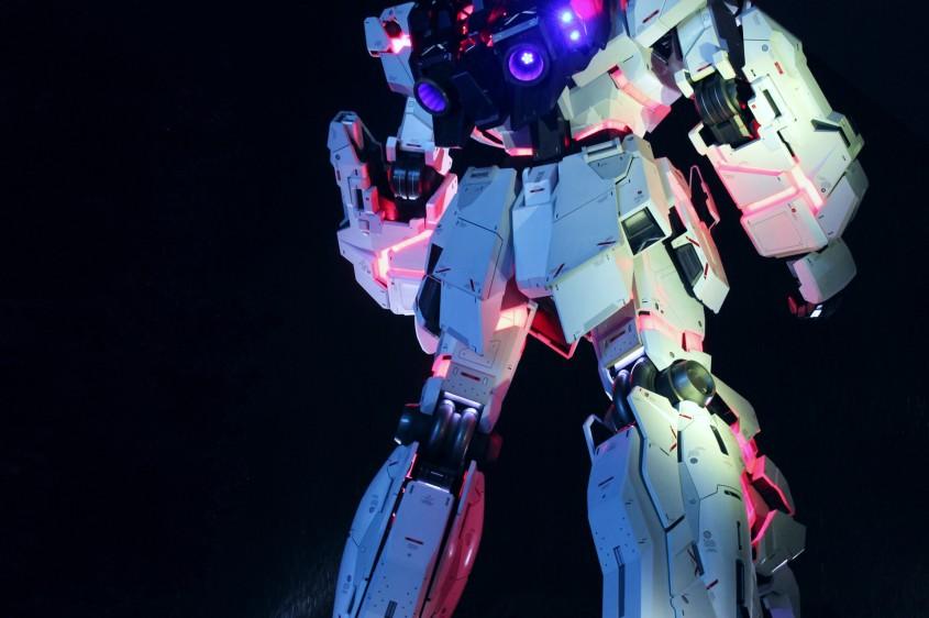 Tokyo's life-size Unicorn Gundam statue
